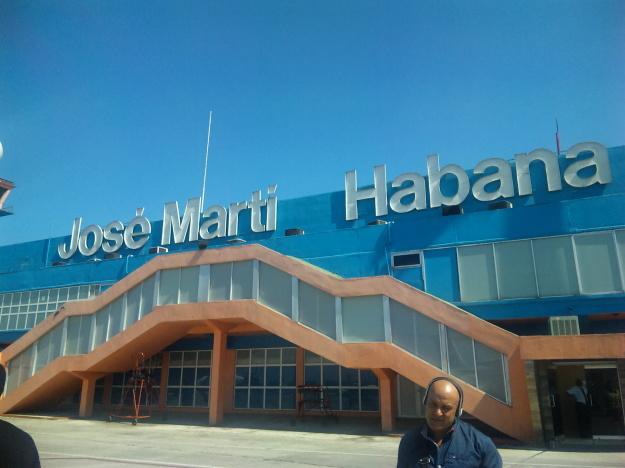 blog;キューバ国内線の機内コーヒー #キューバ #旅 #ハバナ #サンティアゴ・デ・クーバ #カリブ海_a0103940_15513178.jpg