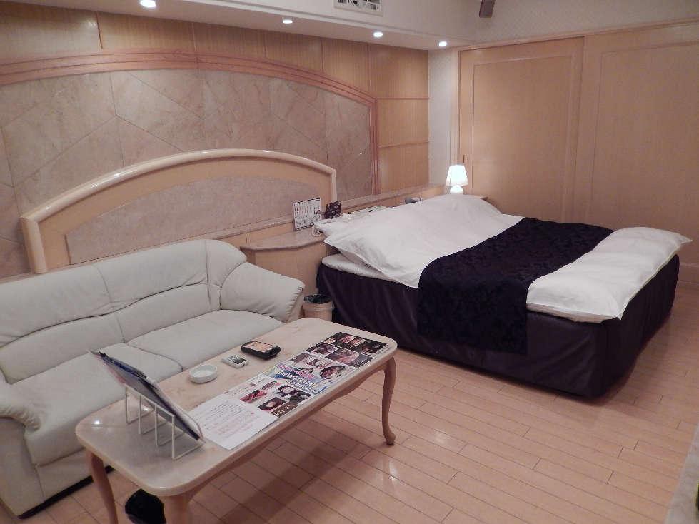 日本全国、ホテル業界大異変~訪日外国人はラブホがお好き?(プレジデント2015.8.31)_b0235153_1773173.jpg
