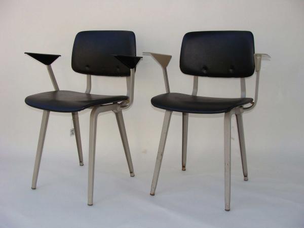 "\""Friso Kramer Revolt Chair with armrests Black Leather\""ってこんなこと。_c0140560_9161651.jpg"