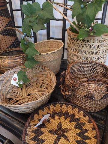 オークリーフ(フィリピンの手作り籠)_f0049672_14101598.jpg