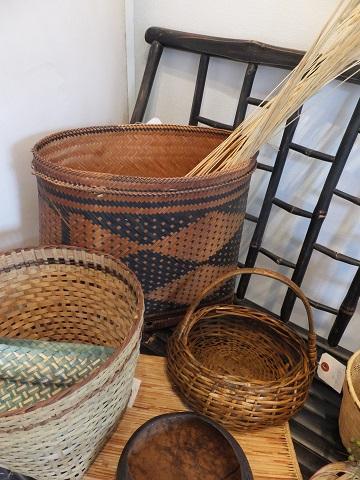 オークリーフ(フィリピンの手作り籠)_f0049672_1410489.jpg