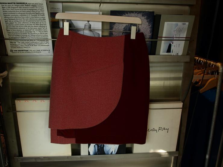 uemulo munenoli 美しい曲線が印象的なスカート『SOFIIA』_e0122680_12443474.jpg
