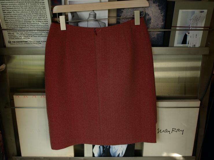 uemulo munenoli 美しい曲線が印象的なスカート『SOFIIA』_e0122680_12465146.jpg