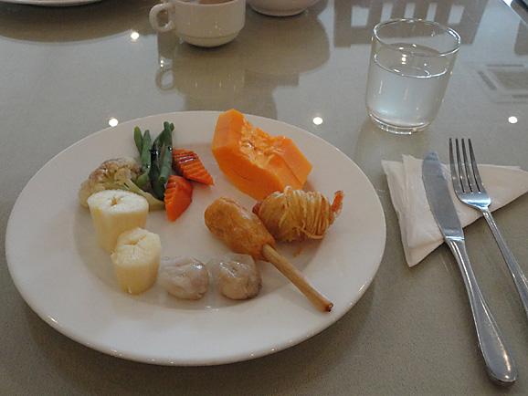 ホーチミン その10 朝食とKIM THANHでプリン&ヨーグルト_e0230011_17483941.jpg