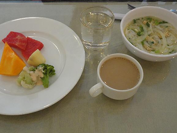 ホーチミン その10 朝食とKIM THANHでプリン&ヨーグルト_e0230011_17491252.jpg