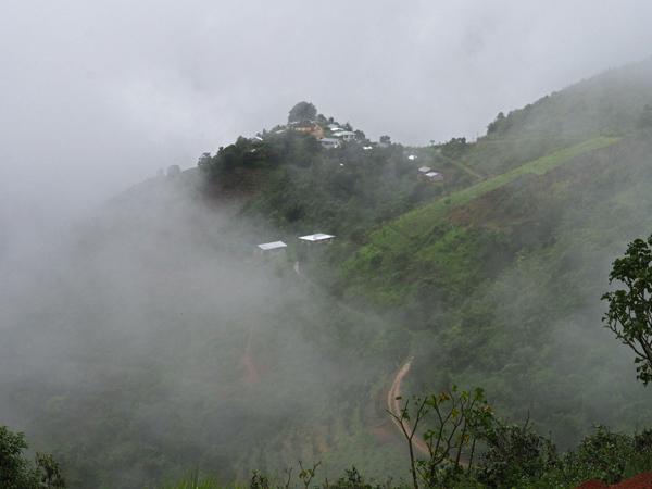 霧と雨のシャン山脈へ_c0098222_16000213.jpg