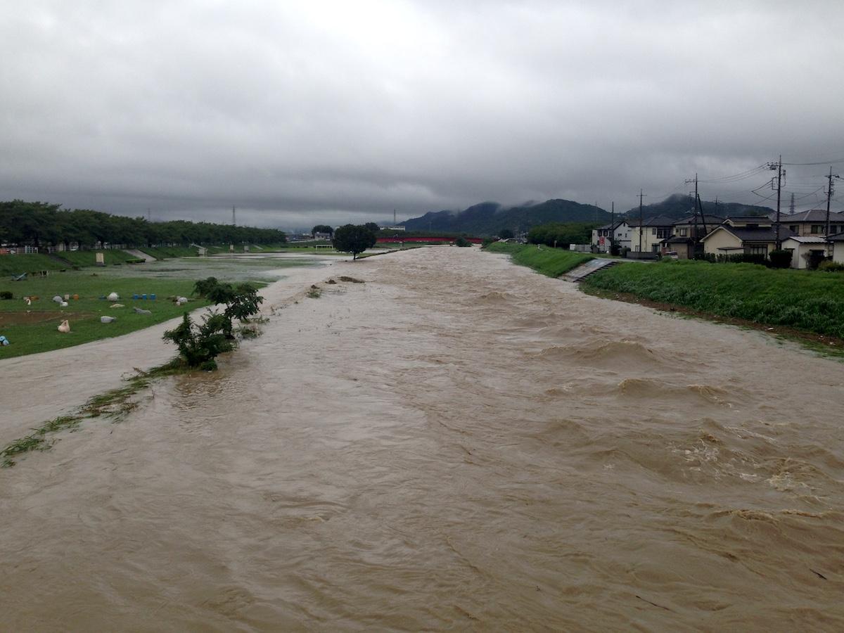 大雨特別警報_f0138807_2142573.jpg