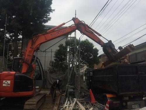 解体工事が行われました。_a0148909_1615843.jpg