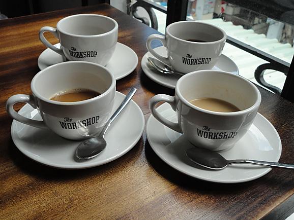 ホーチミン その11 The Workshop Cafeでコーヒー&ケーキ_e0230011_17563771.jpg