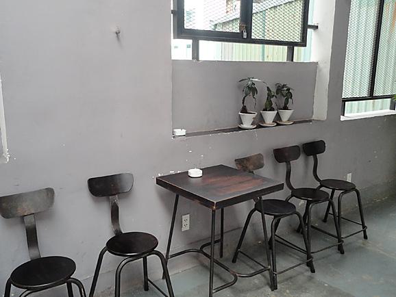 ホーチミン その11 The Workshop Cafeでコーヒー&ケーキ_e0230011_17584133.jpg