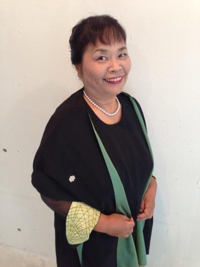 100歳の母親の形見をドレスに。_c0247853_02433139.jpg
