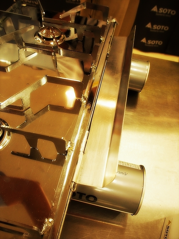 ◆もう2バーナーなんていらない!? ~テーブルの上の二重奏「ST-526」_b0008655_00495697.jpg