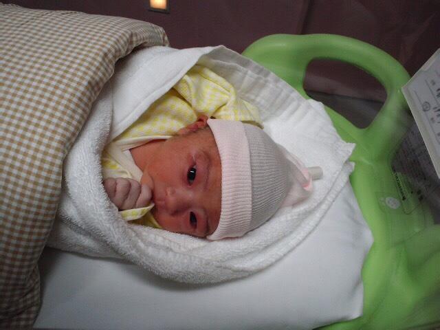 「ミナミに赤ちゃん!」_a0075684_034773.jpg