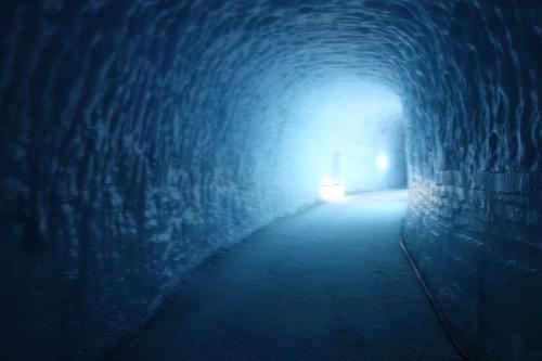 ラングヨークトルの氷河をくり抜いた氷河のトンネル・ツアー、詳細レポート_c0003620_16562935.jpg