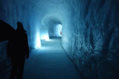 ラングヨークトルの氷河をくり抜いた氷河のトンネル・ツアー、詳細レポート_c0003620_1656294.jpg