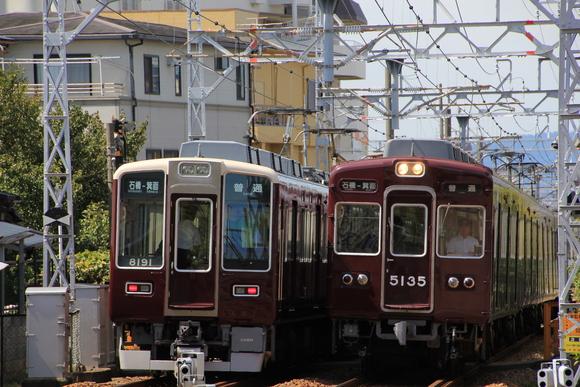 阪急箕面線 前パン同士の離合_d0202264_11101066.jpg