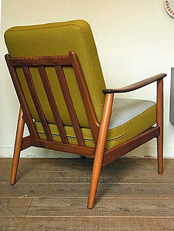 easy chair_c0139773_17432343.jpg