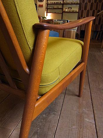 easy chair_c0139773_17440100.jpg