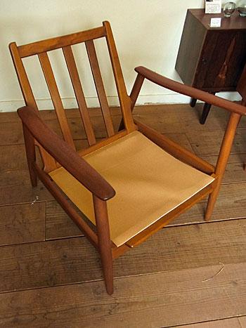 easy chair_c0139773_17454057.jpg