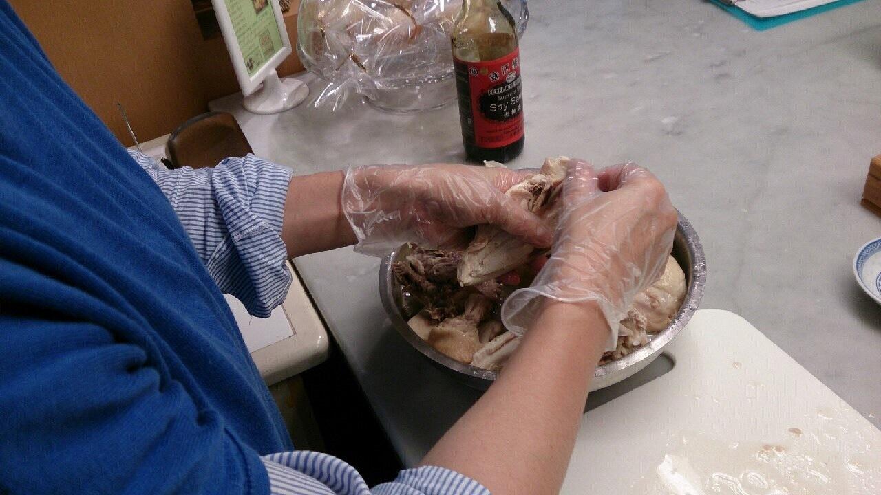 料理教室・・・海南チキンライス 丸鶏さばき実習も♪_f0141419_08221162.jpg