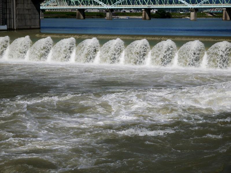 川のある風景_b0093754_21344571.jpg