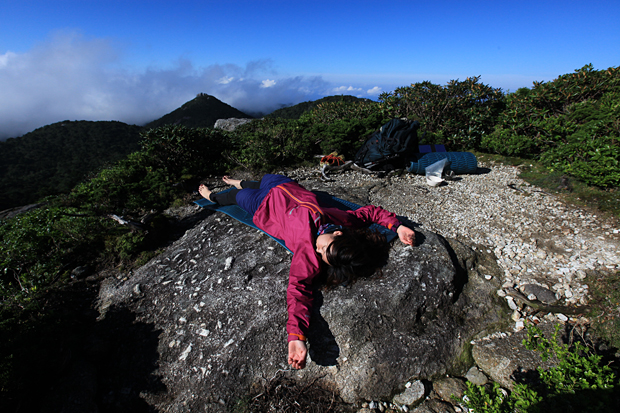 山の「朝」寝タイム_f0252883_10173769.jpg