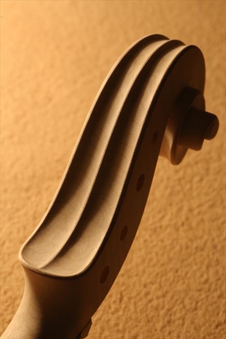 ホワイトヴァイオリン、秋に向けて。_d0047461_5101544.jpg