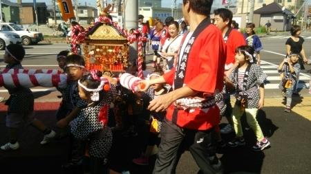 亀田保育園の神輿_b0106766_12385794.jpg