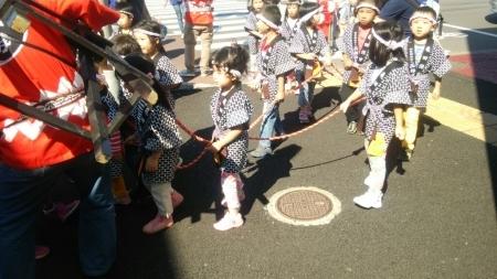 亀田保育園の神輿_b0106766_12390167.jpg