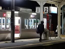 夜の終着駅_e0175370_12593289.jpg