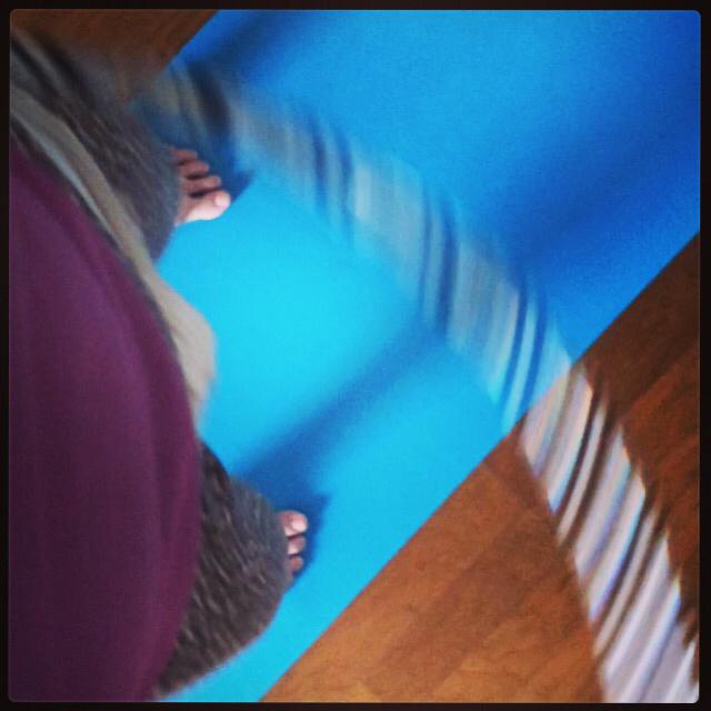 骨盤体操とフラフープ_b0171831_17152591.jpg