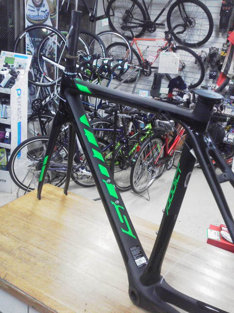 2016 SCOTT ADDICT TEAM ISSUE  FRAMESET 入荷_f0073557_2224336.jpg