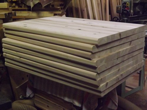 ただいま、杉のテーブル 製作中_f0206159_1744017.jpg