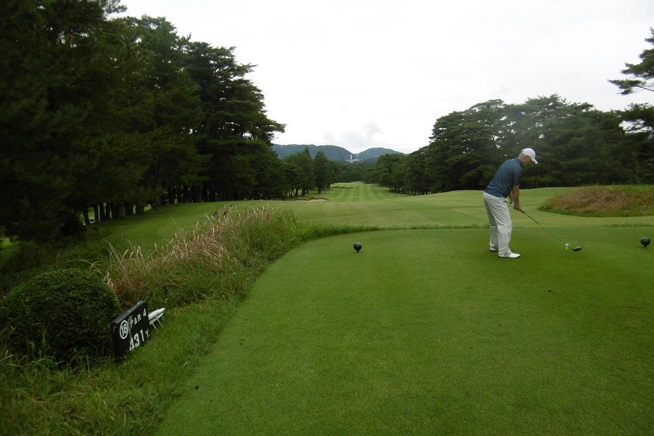 雨のち曇り空のゴルフ_f0205367_22394332.jpg