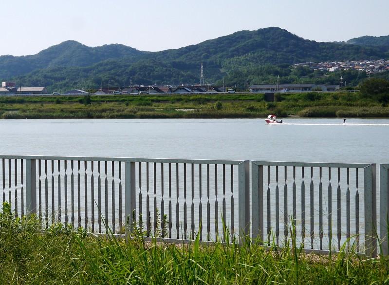 川のある風景_b0093754_20594330.jpg