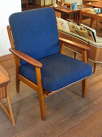 easy chair_c0139773_17432060.jpg