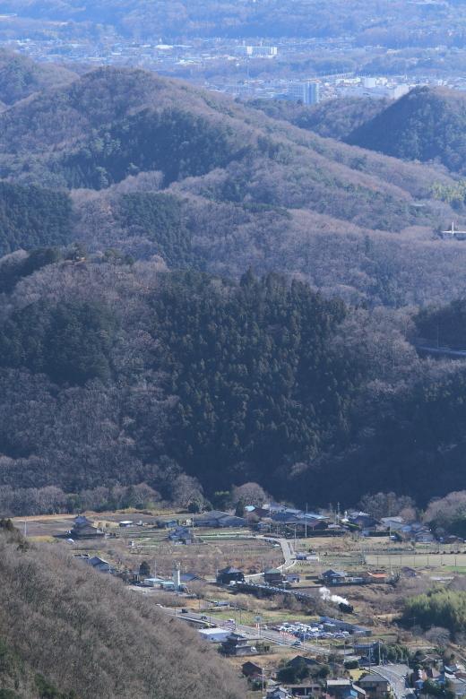 山と街が重なる秩父盆地の入り口 - 秩父鉄道 -  _b0190710_0375793.jpg