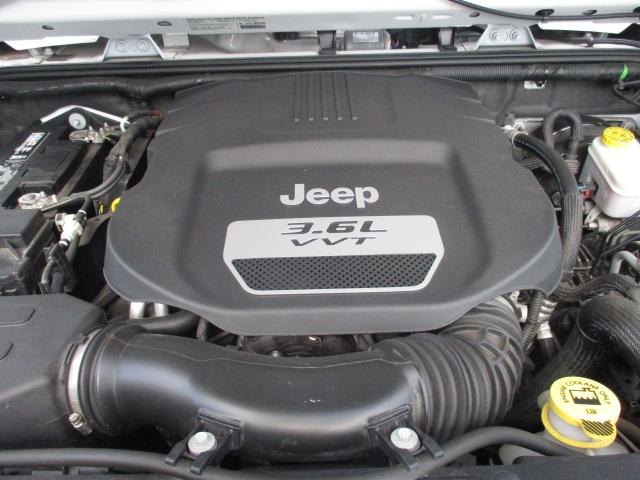 JK ラングラー アンリミテッド 6速マニュアル 左ハンドル  3.6L ペンスターエンジン 中古車_b0123820_13232946.jpg