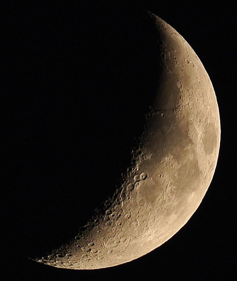 2015年9月19日の月、土星とのプチランデブー(月齢6)_e0089232_18413560.jpg