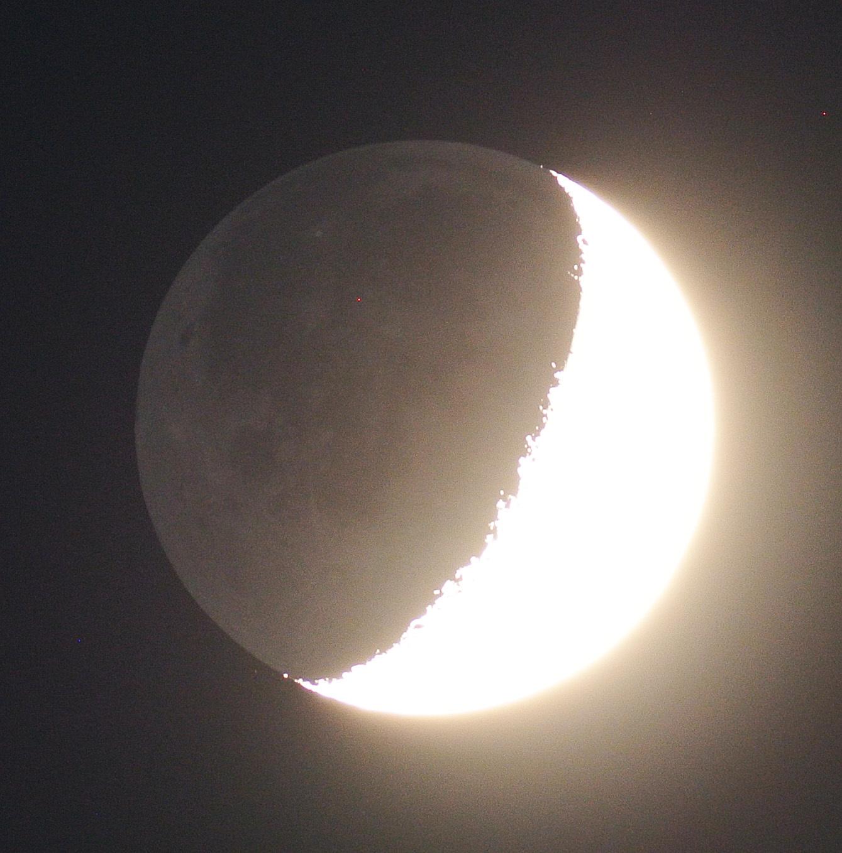 2015年9月19日の月、土星とのプチランデブー(月齢6)_e0089232_18414590.jpg