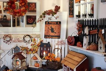 ハロウィンの季節の店内になりました_f0161543_17421436.jpg