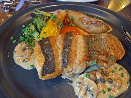 新宿 オストレアでシーフード料理_d0013068_14280284.jpg