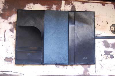 黒いレザーのノートカバー_f0155891_131766.jpg