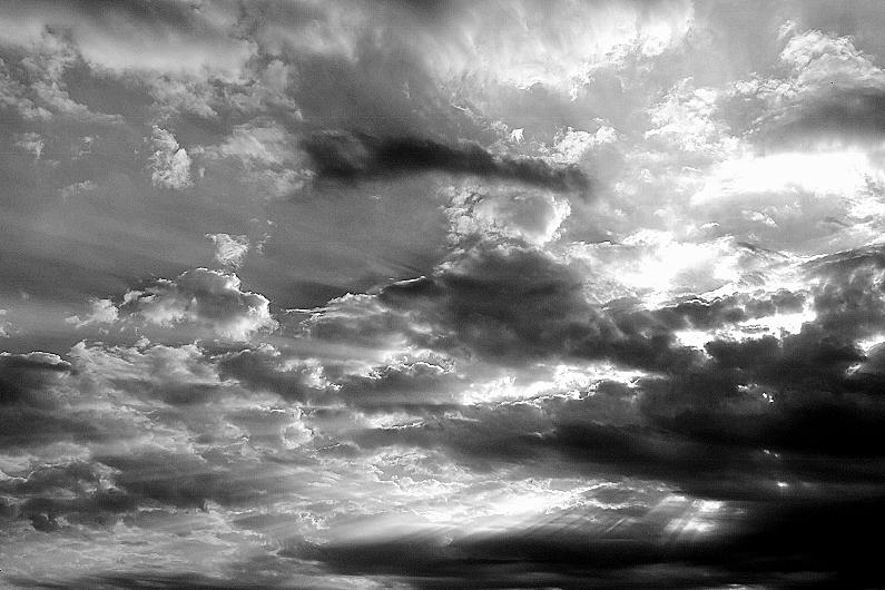 モノクロ・・・・・モノ雲?_b0314043_13253906.jpg