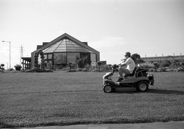 道の駅の芝刈りとオープンキャンパス_c0182775_178327.jpg