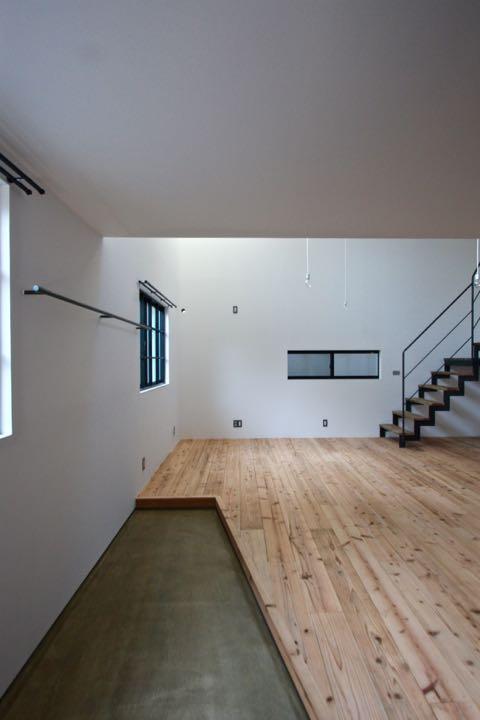 天神橋の家 / スチールの階段で、3階までつないでいます。_d0111714_8353553.jpg