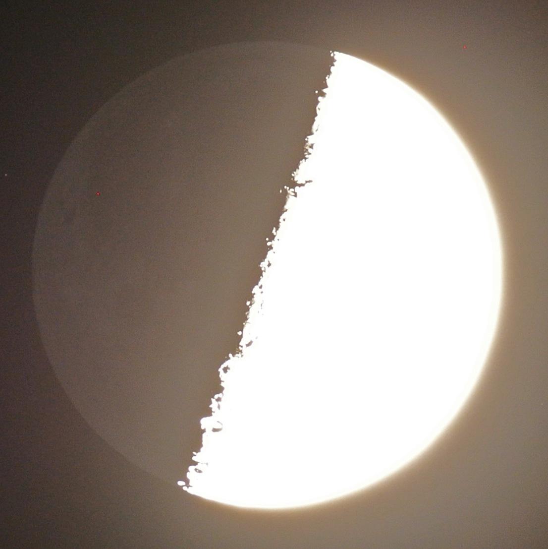 上弦の月(2015年9月21日)_e0089232_19123865.jpg