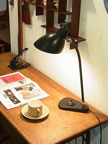 desk lamp_c0139773_17544626.jpg