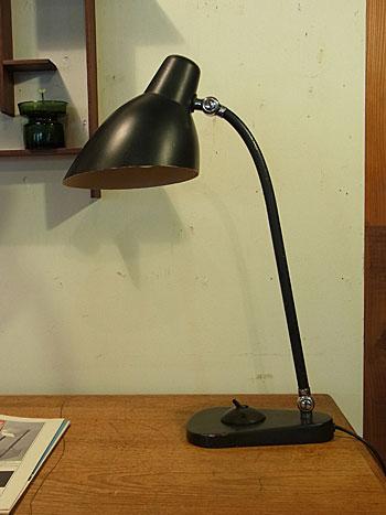 desk lamp_c0139773_17545557.jpg