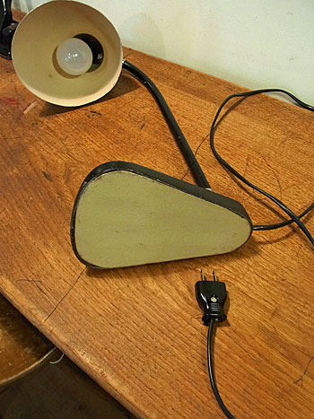 desk lamp_c0139773_17591556.jpg